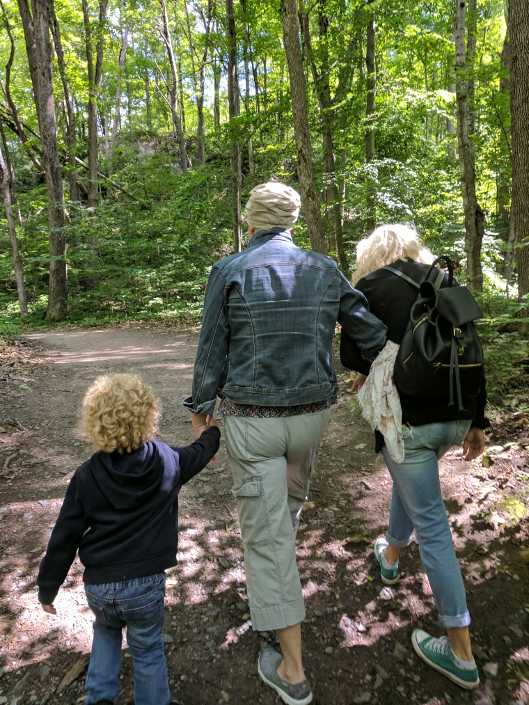 Family_Hike_Gatineau_Park_Mackenkie_King_Estate_Outdoors_Lifestyle